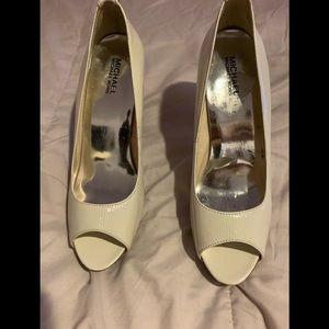 Ladies heels 👠